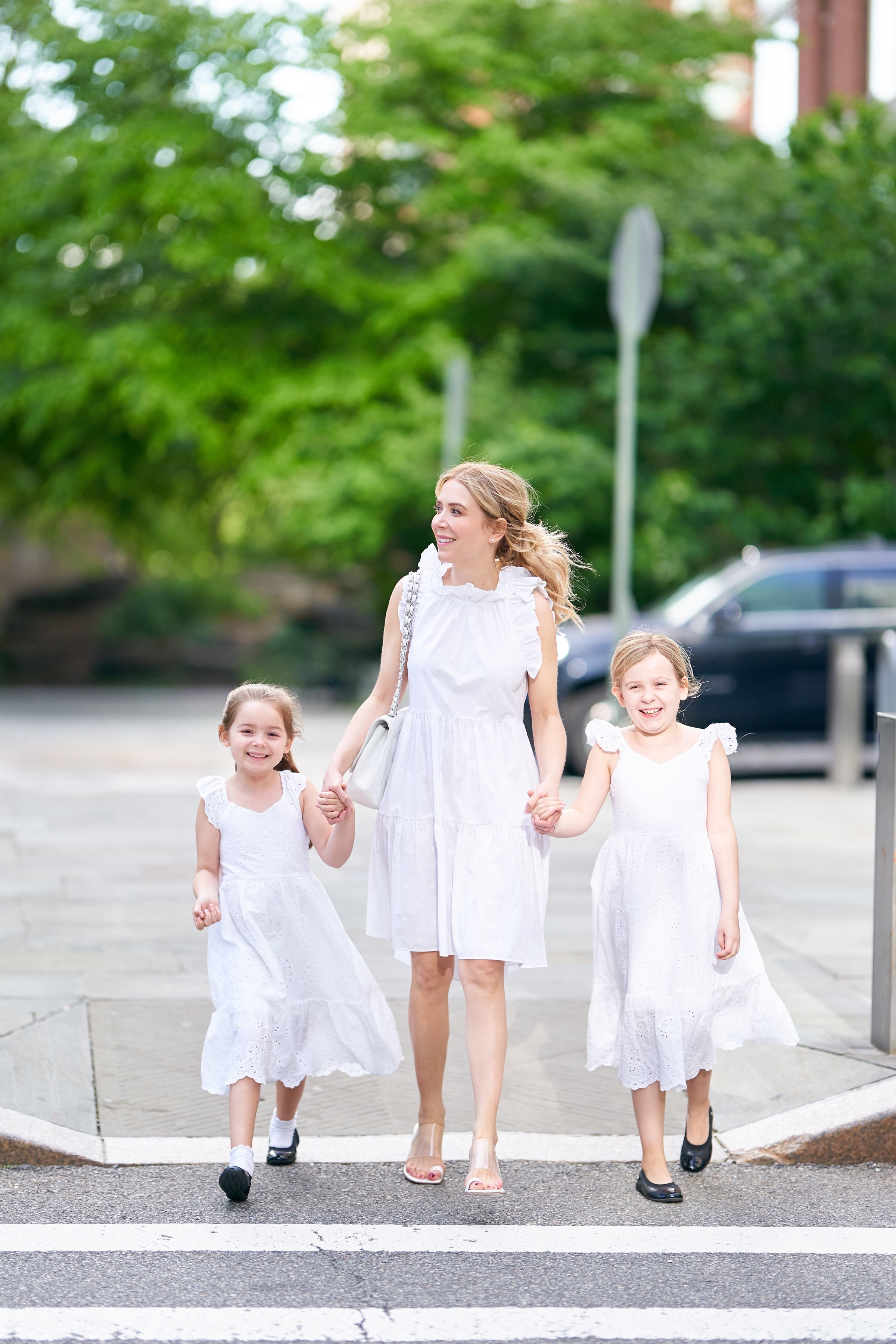 About the Outfits, Mommy daughter dresses, matching dresses, white dresses, www.abouttheoutfits.com
