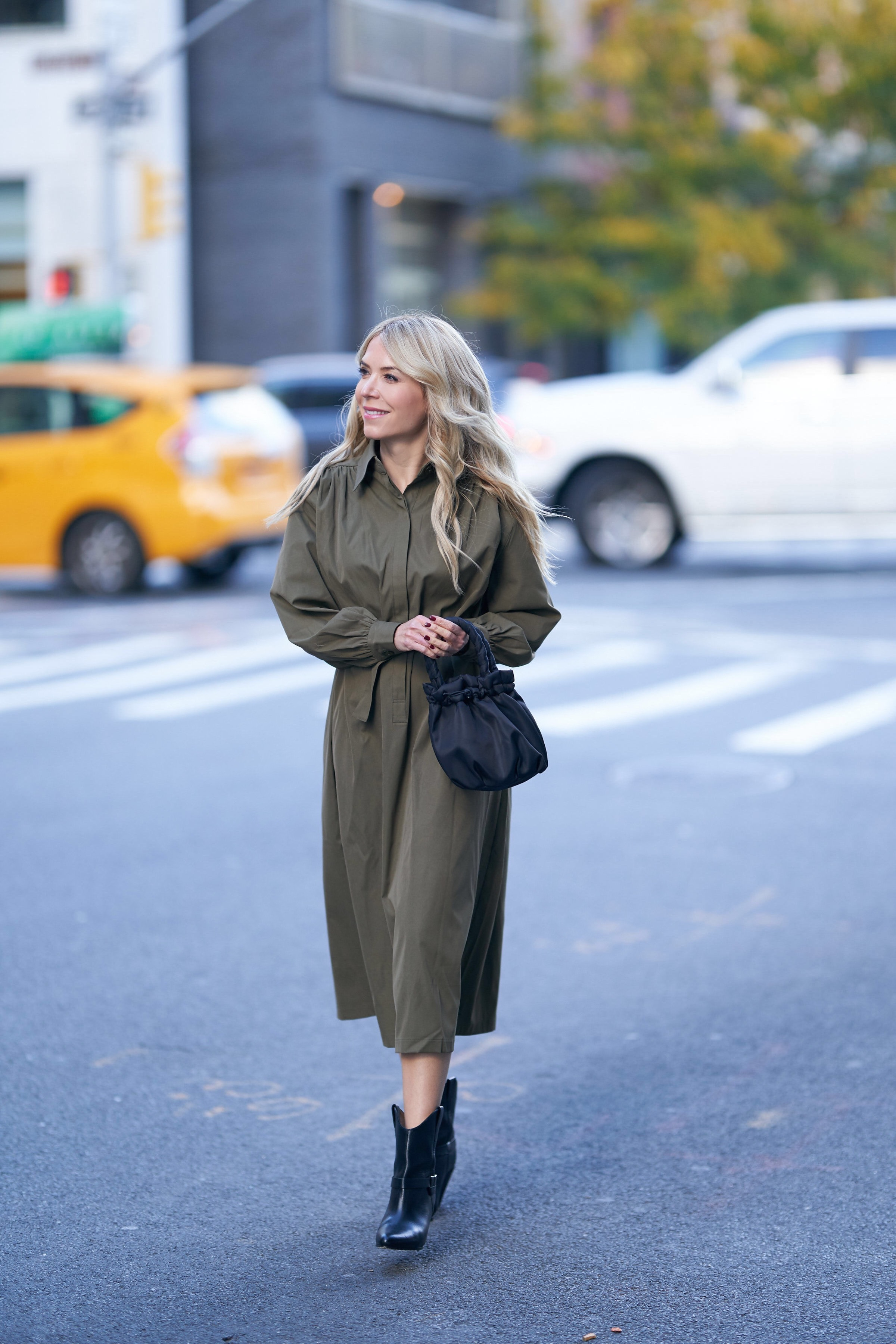 The Frankie Shop, Isabel Marant boots, Fall fashion, www.abouttheoutfits.com, About the Outfits, Laura Bonner, Staud bag, NYC Fashion Influencer