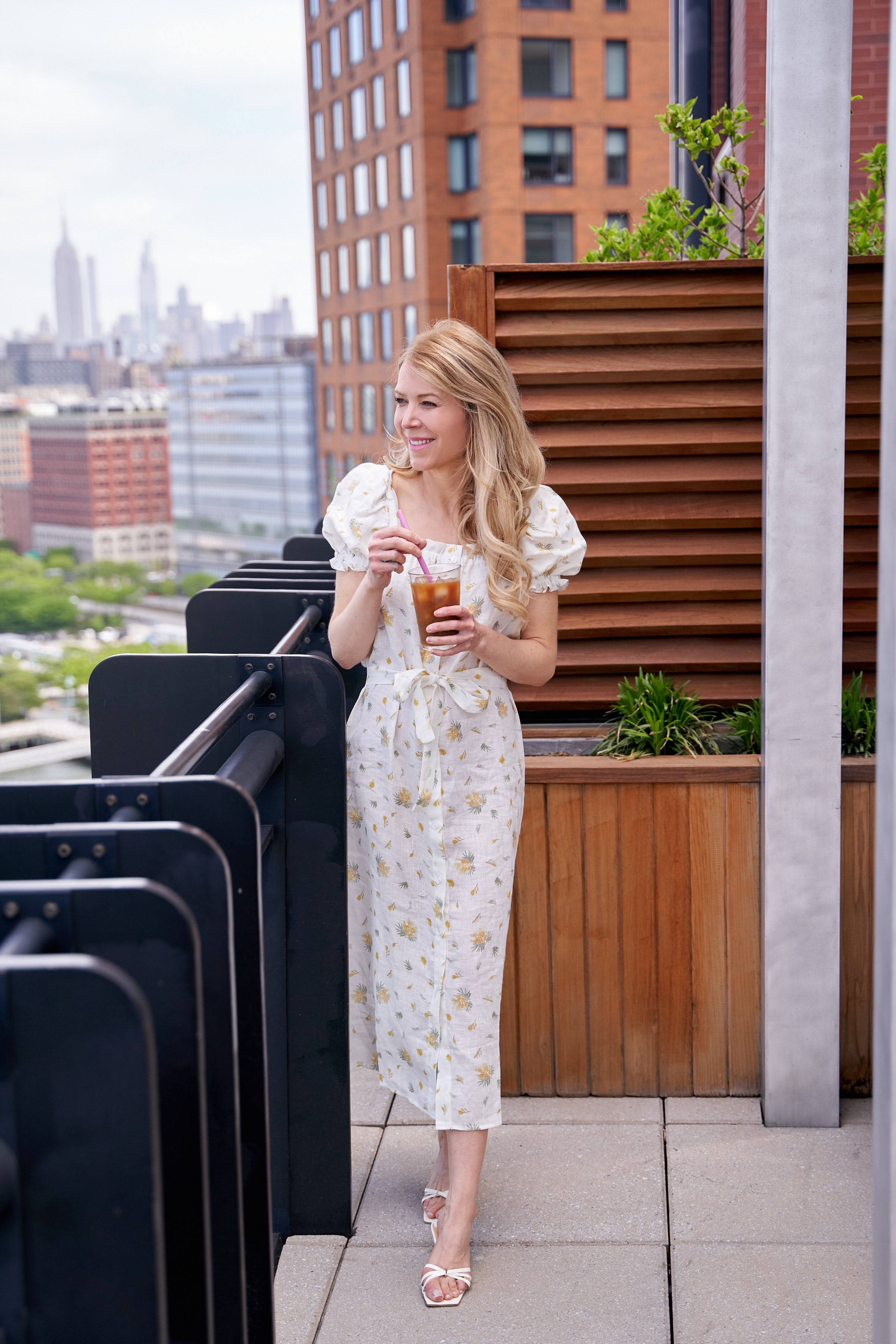 www.abouttheoutfits.com, About the Outfits, Laura Bonner, Daily Sleeper, The Sleeper, Linen summer dress, NYC fashion blogger